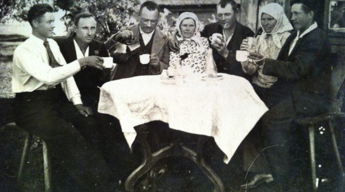 Mémoire Communicative à Travers Trois Ou Quatre Générations De Famille